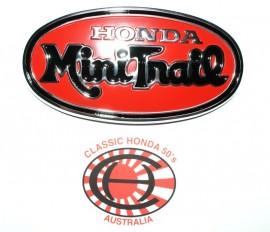 87121-045-000 Mini Trail Oval Tank Badge